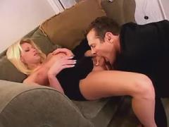 Shemale and guy give oral pleasure to each other